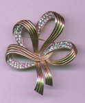 HALBE retro bow pin with rhinestones