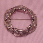 Danecraft Sterling circle leaf pin