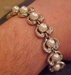 Retro rhinestone and faux pearl bracelet
