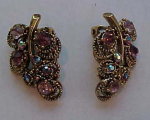 Pretty pink rhinesotne earrings leaf design