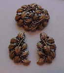 Tortolani leaf design pin & earrings