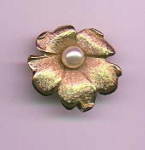 Emmons goldtone flower pin with faux pearl