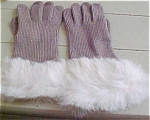 Knit gloves with fur trim