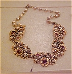 Flower design necklace with rhinestones