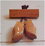Wood pin with shoes