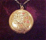 Click here to enlarge image and see more about item x1819a: US Navy locket