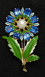 Click here to enlarge image and see more about item x6426: Enameled flower brooch