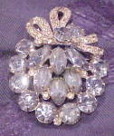 Click here to enlarge image and see more about item x6685: Eisenberg Ice rhinestone brooch