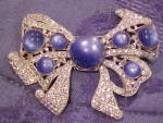 Fabulous bow brooch