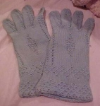 Blue/grey crocheted gloves