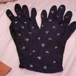 Black gloves w/embroidered bows
