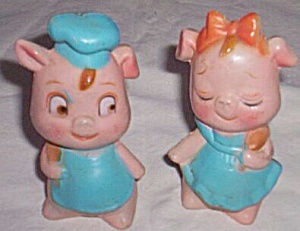 Vintage Plastic Pig Salt Pepper Shakers