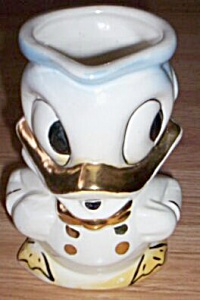 Hull/Leeds China Donald Duck Pitcher (Image1)