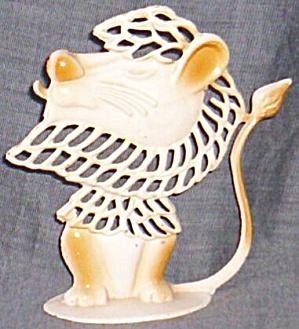 Revere MFG. Small Metal Lion Earring Holder (Image1)