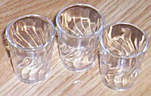 3 Vintage Swirl Shot Glasses (Image1)