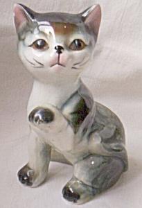 Adorable Kitten Figurine Paw Raised (Image1)