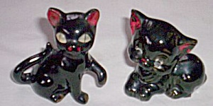 Pair Vintage Black Kitten Pottery Figurines (Image1)