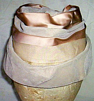 Vintage Beige Tiered Pill Box hat (Image1)