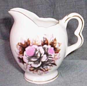 Tiny Porcelain Creamer L-238 (Image1)