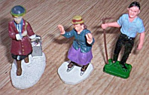 Christmas Village Figurines (Image1)