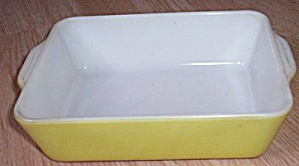 Pyrex Primary Yellow Small Baking Dish (Image1)