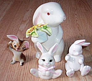 4 Ceramic Rabbit Figurine (Image1)
