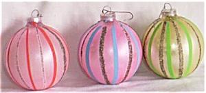 3 Vintage Christmas Ornaments Vertical Stripes (Image1)