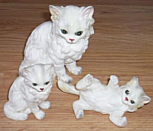 3 Pc Persian Cat Family At Play Lefton