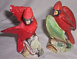 Vintage Cardinal Salt and Pepper Shaker Souvenir (Image1)