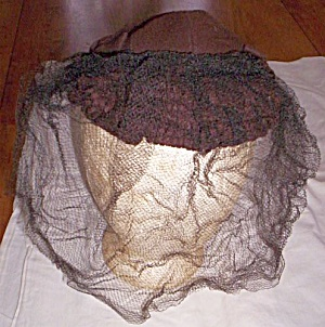 40�s Brown Lady�s Wool Hat w/ Face Net (Image1)