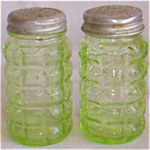Green Depression Shakers Waffle Pattern Free Shipping