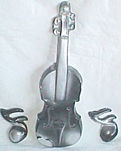Unique Plaster Violin and Notes Wall Plaques (Image1)