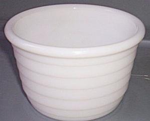 Hazel Atlas Vertical Rib Mixing Bowl (Image1)