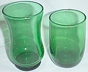 2 Vintage Emerald Green Juice Glasses (Image1)