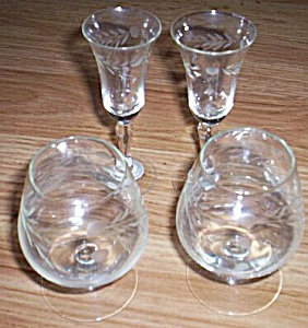4 Cordials Stems 2 Shapes Cut Crystal Taiyo