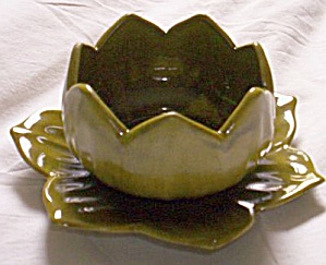 Water Lily Bowl and Plate (Image1)
