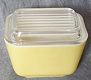 Pyrex Mini Refrigerator Containers W/ Lid Yellow