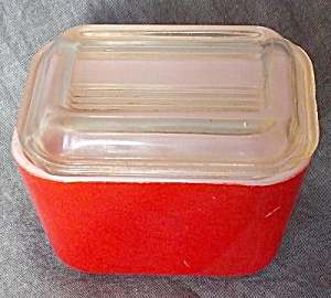 Pyrex Mini Refrigerator Containers No Lid Red (Image1)