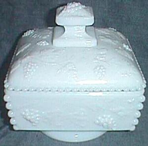 Milk Glass Bead & Grape Westmoreland Honey Box (Image1)