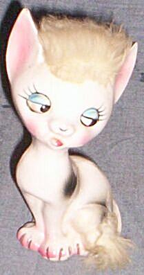 Adorable Fur Head Cat Figurine (Image1)