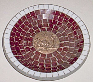 Vintage Mosaic Plate Bull Chariot Center (Image1)