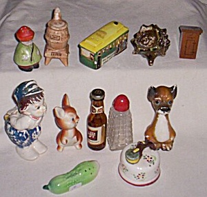 Lot of  Vintage Single Salt Shakers (Image1)