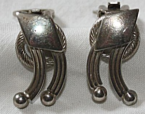 Pair Alice Caviness Clip on Earrings (Image1)