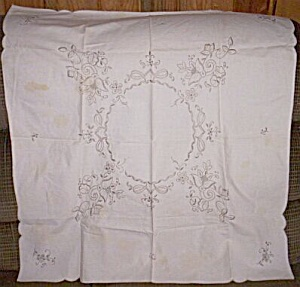 Vintage Machine Embroidered Tea Table Cloth (Image1)