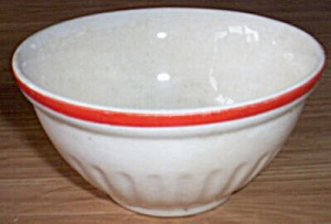 Small Vintage Bake Oven Mixing Bowl (Image1)