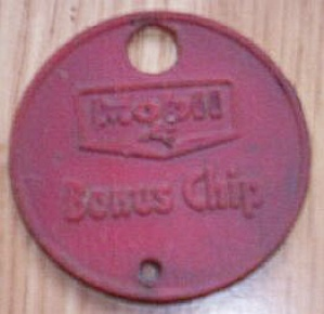 Vintage Mobil Gas Bonus Chip (Image1)