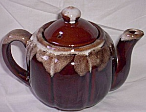 Sea Foam Brown Drip Tea Pot (Image1)