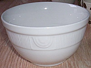 Hall China Mixing Bowl (Image1)