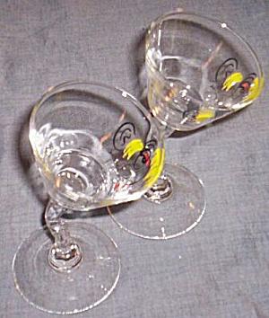 Pair Gay Fad Tipsy Martini Glasses (Image1)