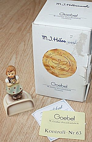 Goebel For Mother Place Card Figurine MIB (Image1)